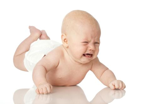 KHi bé tập lẫy các bố mẹ cần trông chừng cẩn thậ
