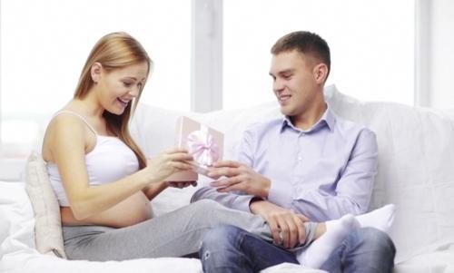 Đau đầu khi chọn quà tặng vợ bầu bí. Tặng quà sinh nhật cho vợ bầu