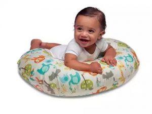Gối cho bé bú có dùng cho bé tập ngồi được không?