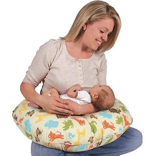 Gối cho bé bú chữ C giúp bé ti mẹ thoải mái, mẹ bớt mỏi tay, đau lưng