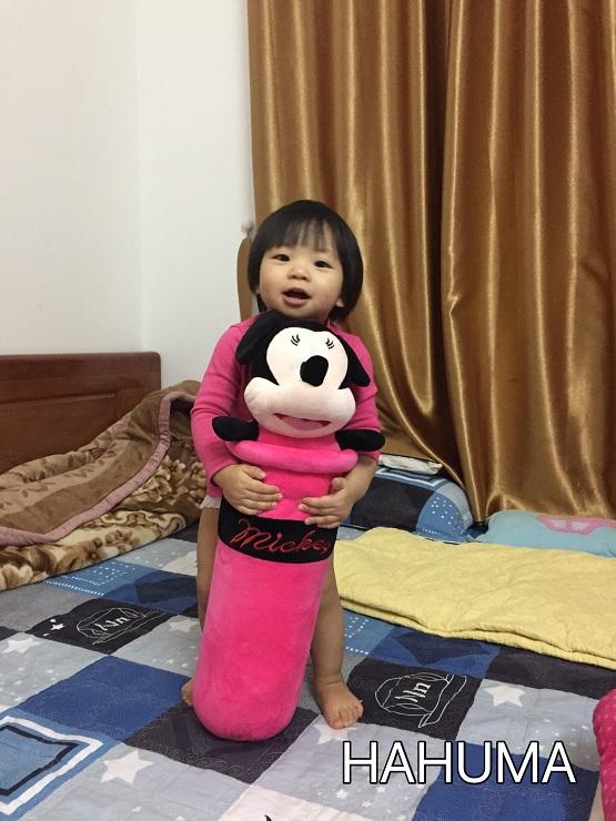 Gối ôm mickey cho bé gái